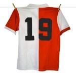1983 - 1984, PUMA Feyenoord Thuisshirt, Sponsor Gouden Gids (2)