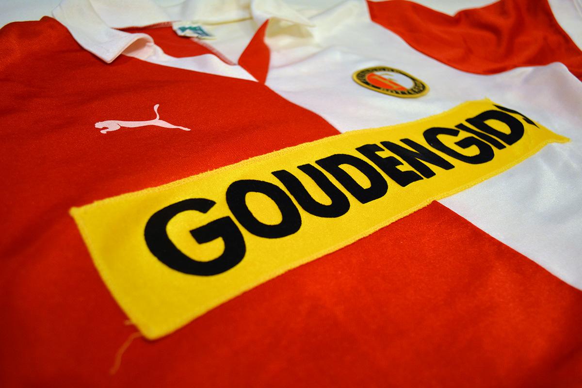 1983 - 1984, PUMA Feyenoord Thuisshirt, Sponsor Gouden Gids (4)