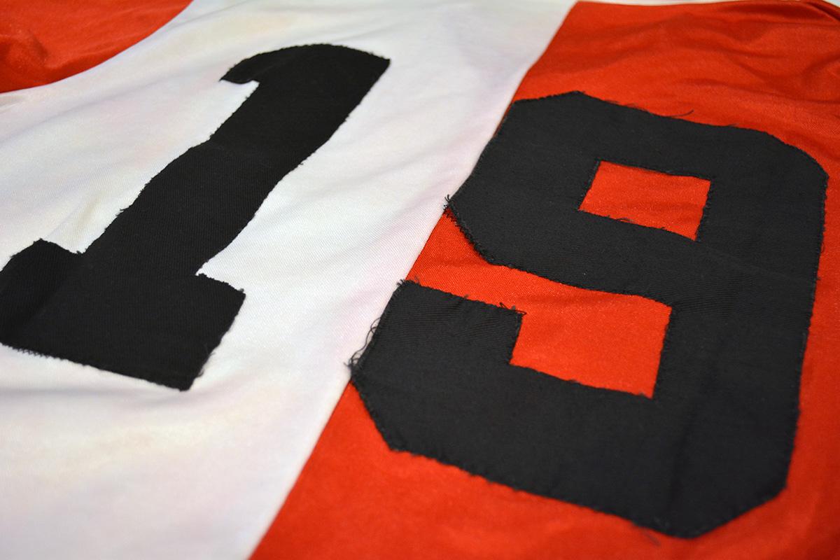 1983 - 1984, PUMA Feyenoord Thuisshirt, Sponsor Gouden Gids (8)